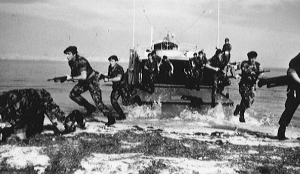 "Portuguese marines ""Fuzileiros"" landing - African Colonial War 1961/74"
