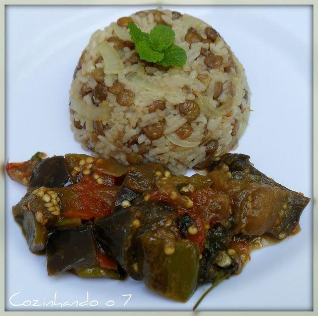Cozinhando o 7: Almoço Árabe: Mjadra (Arroz com lentilha) e Salada de Berinjela