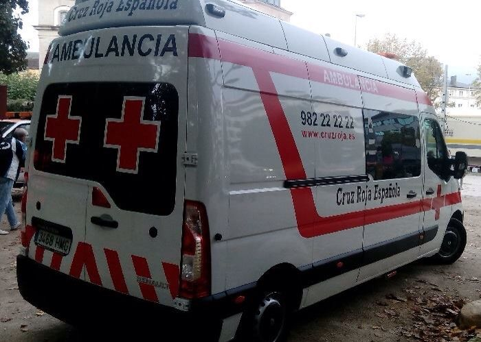 FOTOGRAFÍA CON TU UNIDAD O EQUIPO desde LUGO  Continuamos viendo con detalle la ambulancia de Cruz Roja Lugo, en Galicia.   Enviadnos vuestras imágenes a .... http://www.ambulanciasyemergencias.co.vu/2015/11/equipo.html #ambulancias #emergencias #CruzRoja #tes #tts #svb #sva #Lugo