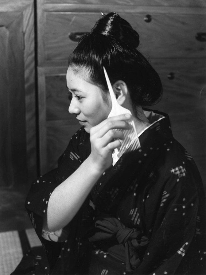 Woman from Okinawa, 1940 by Ken Domon