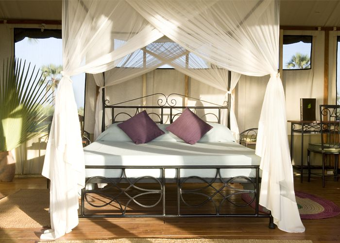 Las 25 mejores ideas sobre cama con mosquitero en for Mosquiteras para camas