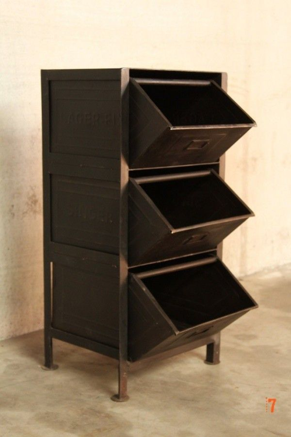 meuble industriel tiroirs petit meuble d 39 appoint. Black Bedroom Furniture Sets. Home Design Ideas