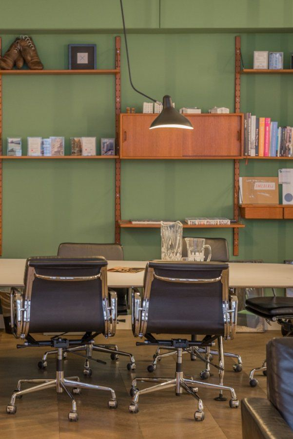 84 best zakelijk interieur kantoor images on pinterest for Interieur styling amsterdam