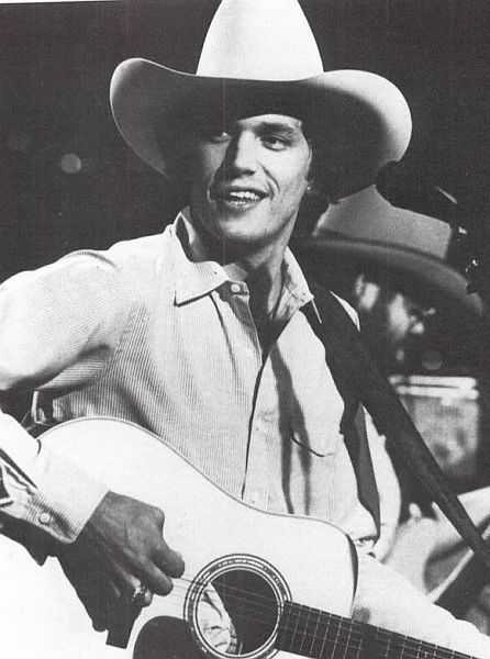 George Strait  Young King!!!!