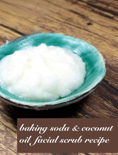 Make this easy homemade baking soda and coconut oil face scrub recipe to help shrink pores and conquer blackheads!