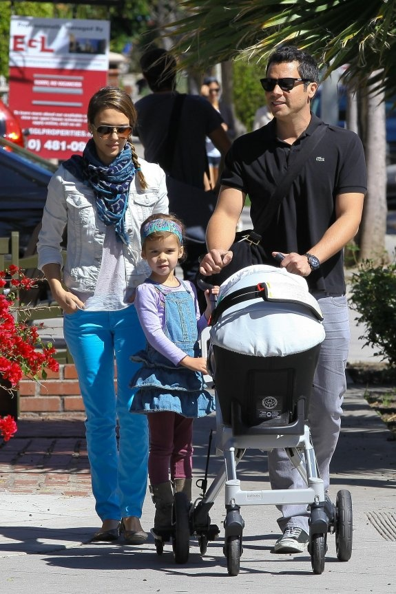 Jessica Alba with her Orbit Baby stroller, with Honor on the Sidekick!