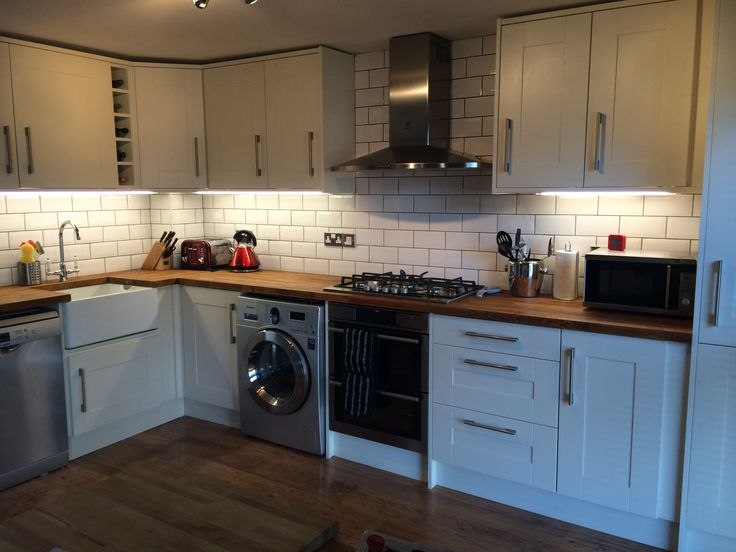 Wickes Tiverton Bone Kitchen With White Ceramic Bevelled Subway Tiles And A Solid Oak Worktop