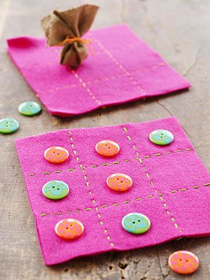 Simple Craft Projects for Kids: Tic-Tac-Toe Mat (via Parents.com)