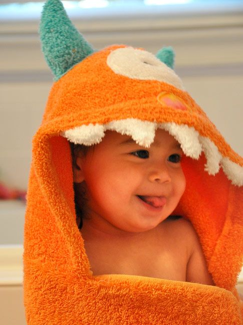 So adorable, hooded monster bath towels for kids!