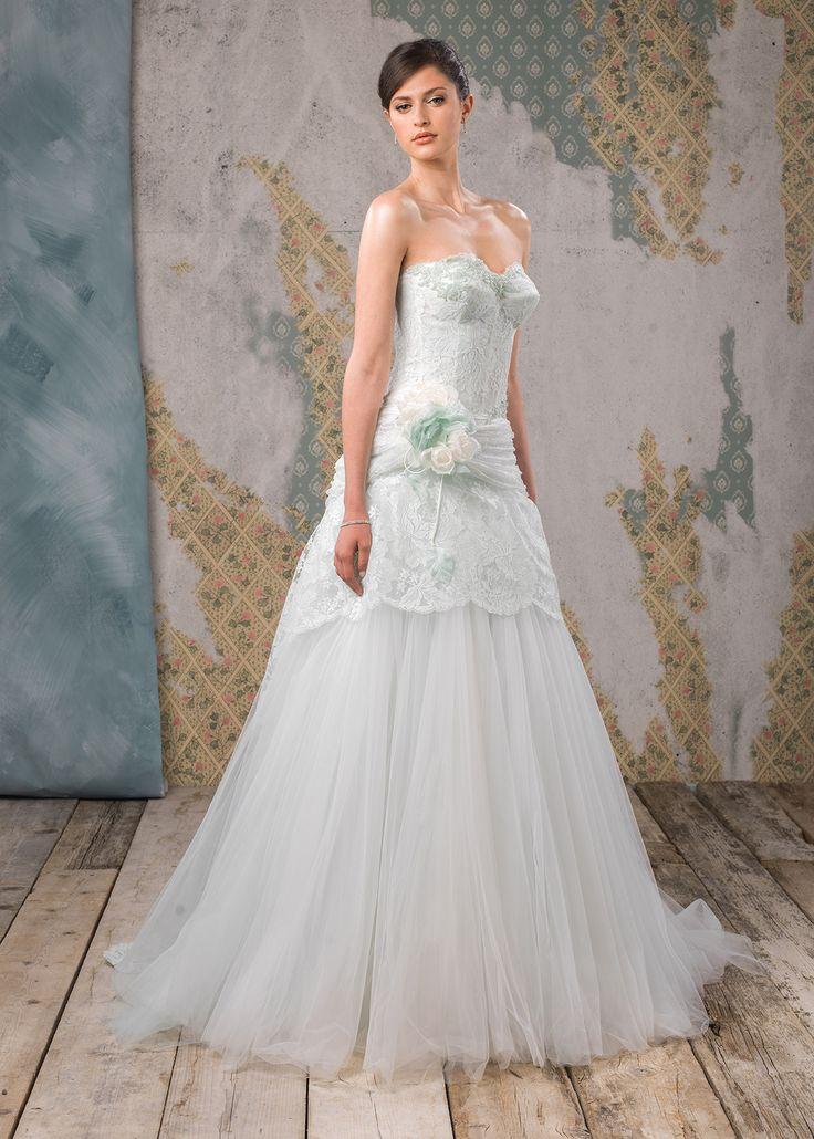 Abito da sposa Delsa, linea Couture 2016 D6808 Tulle e pizzo francese Menta  #delsa #delsa2016 #delsacouture #weddingdresses #bridaldresses #tulle #pizzofrancese #menta