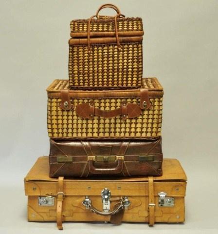 suitcases | antiques are amazing. | Pinterest