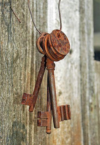 old keys by mpudi97, via Flickr