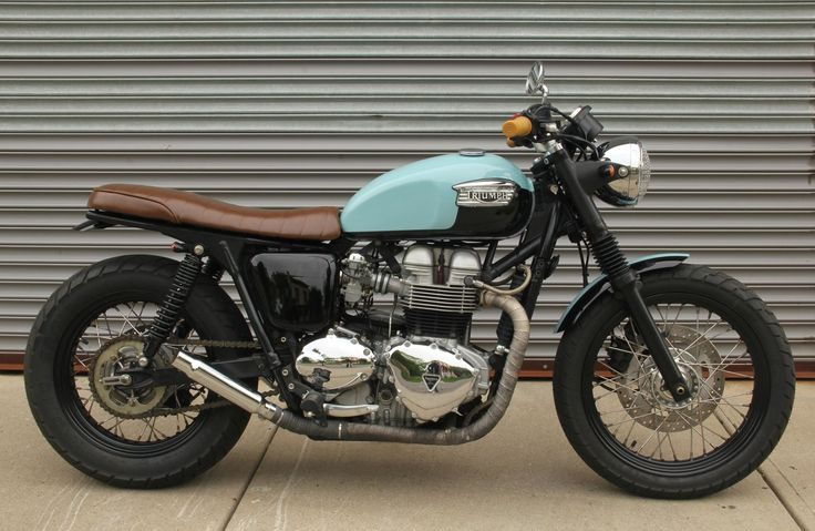 The Baker Bonnie - Jimmy & Jil Baker's Vintage Inspired Triumph Custom