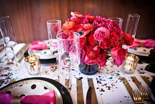 gold stripes and polka dots. i would throw a party just so i could have this table decor.