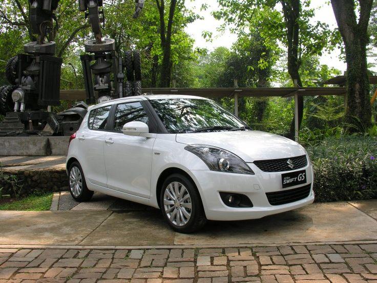 Tampilannya sedikit semakin garang baru akan anda jumpai pada New Suzuki Swift Sport. Dan sebenarnya memang membawa konsep sport small hatchback. #suzuki #swift #indonesia #review