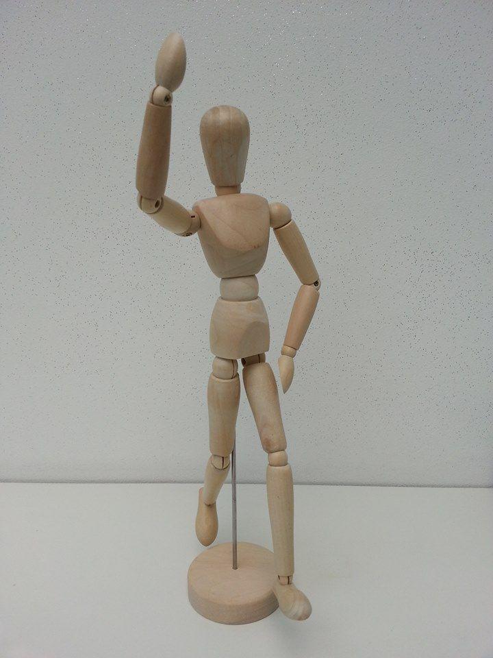 Houten schilderpop. Flexibel op alle fronten.  Afm. 33 x 7 x 7 cm € 4,00  www.facebook.com/stoeruhzaken.nl