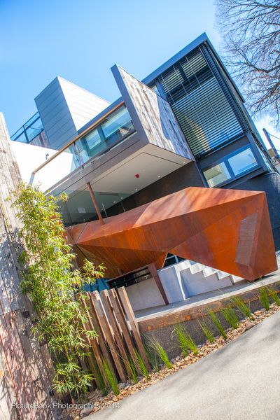 Nullarbor Timbers worked closely with valued client WAF Constructions to provide feature sustainable timbers for this magnificent residential apartment complex in Hawthorn, Victoria.