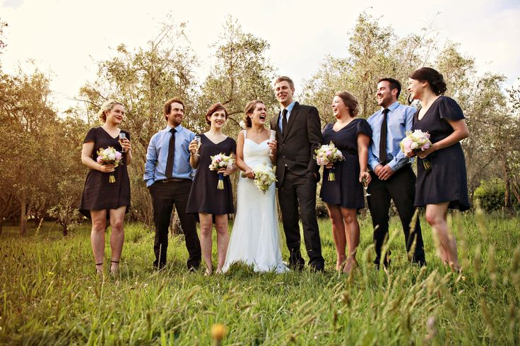Uneven bridal party. Relaxed spring wedding
