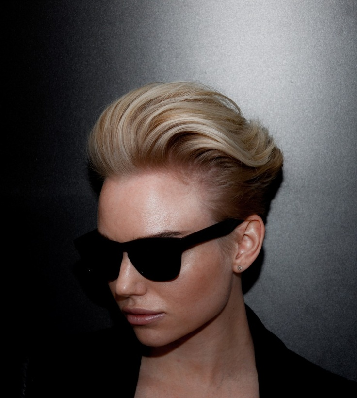 Pompadour short hair
