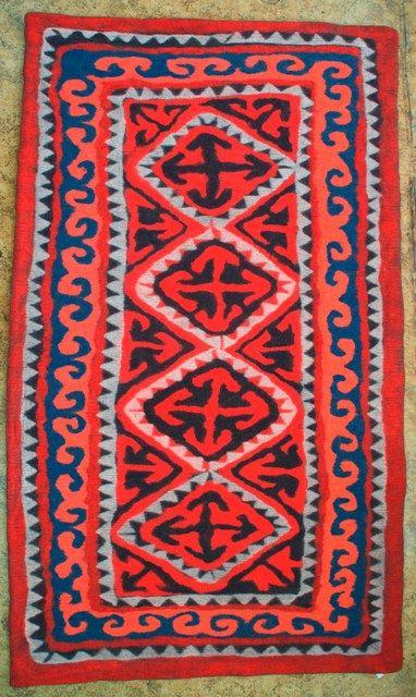 Ala kiyiz - felt rug. 100% sheep wool. Solid felted, seamless. Handmade in Kyrgyz Republic. 144*239 cm.