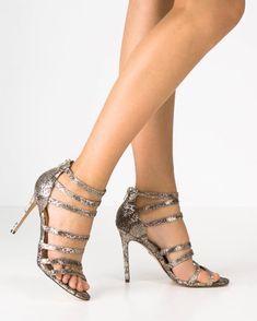 Hype Shoe Store.#nin