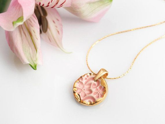Zuzanna Żylińska Zu Design - #handmade ceramic necklace polandhandmade.pl #polandhandmade #necklace #etsy #gold #pendant #porcelain #pink
