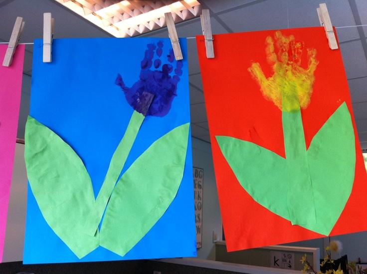 Thema lente. Tulp gemaakt van hand.
