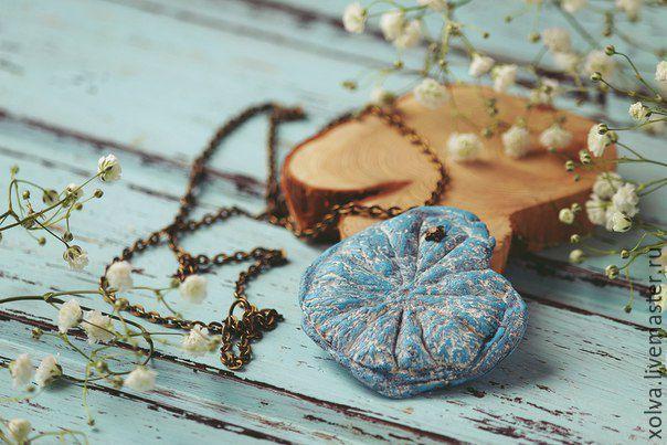 """Купить Кулон """"Цитрус"""" - голубой, кулон, керамический кулон, подарок девушке, подарок женщине"""