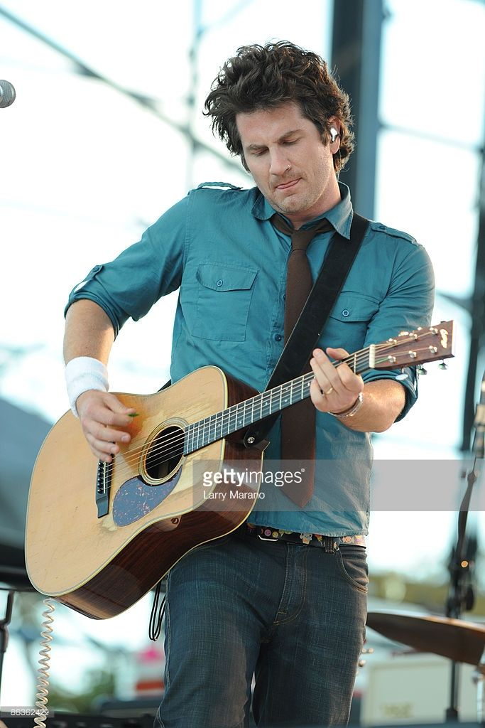 Singer/Guitarist Matt Nathanson performs at sunfest on May 3 2009 in West Palm Beach, Florida.