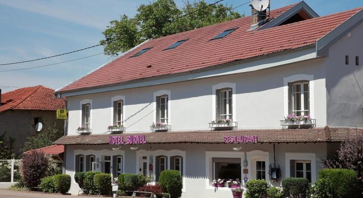 Logis Burnel Et La Cle Des Champs Rouvres-en-Xaintois The Logis Burnel et la Clé des Champs is located in Rouvres en Xaintois, in the heart of Lorrain region of north eastern France.  The hotel offers comfortable guestrooms with en suite bathroom, TV and a work desk.