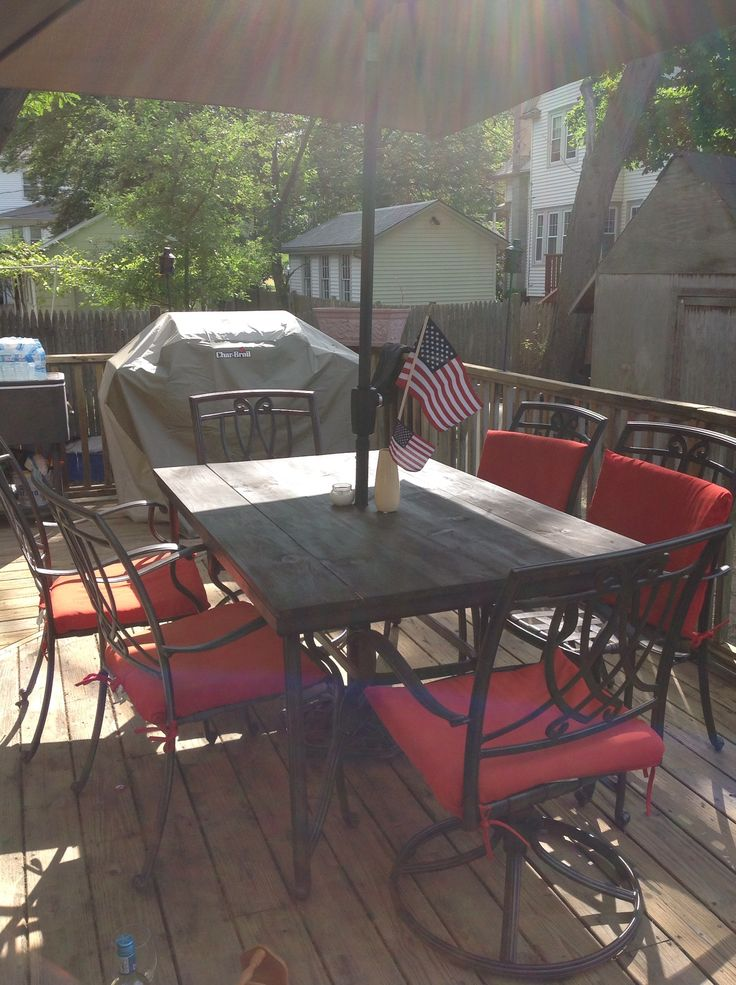 Patio table top redo: stained pine table top replaced broken glass and rustoleum painted chairs/table/umbrella holder #summeroutdoorinspiration