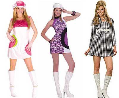 Publicidade O que você acha dos vestidos anos 70? Confira abaixo uma seleção inspiradora de imagens de vestidos retrôs da década de 70. Algumas peças da moda da década de 70 estão em alta ainda hoje, como: chapéu floppy, calça boca de sino, franjas, legging com efeito metalizado, barriga de fora. Você já usou alguma …