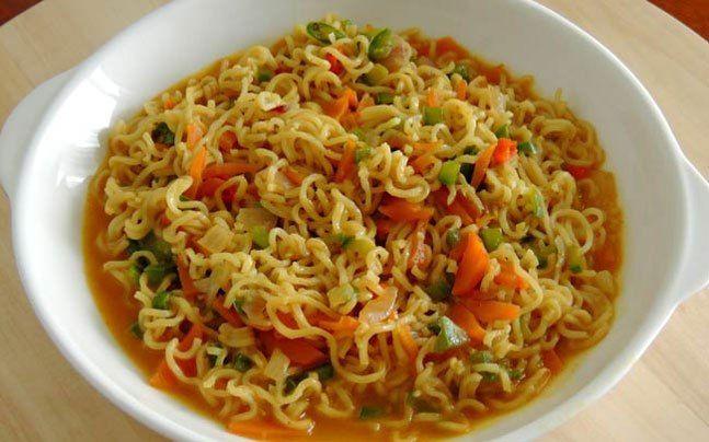 अंडे वाली मैग्गी -  How to Make Egg Maggi -  Egg Maggi Recipe In Hindi