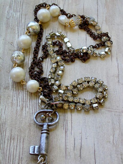 necklace rhinestone,pearls, key