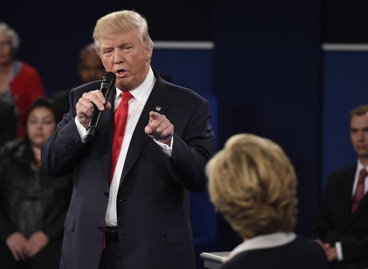 This Debate Tweet Is Going Viral For A Truly Fantastic Reason