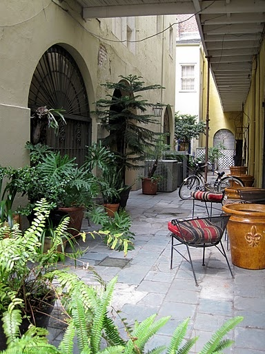 New orleans courtyard alliedpra new orleans the secret for French style courtyard ideas