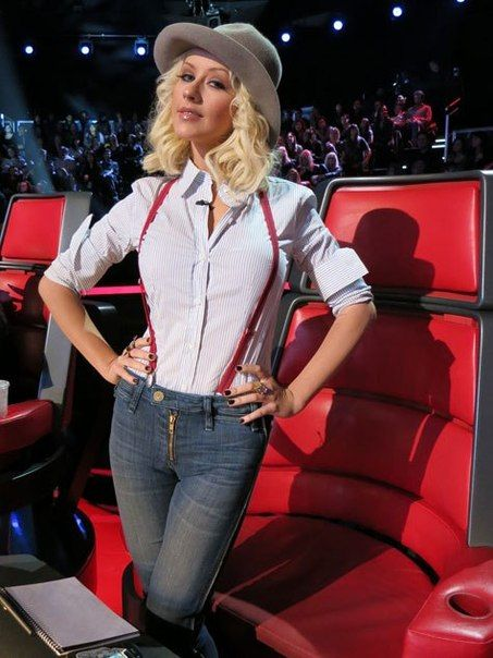 Christina Aguilera, the best r&b singer of her generation. Would love for her and Leela James to sing a duet together.