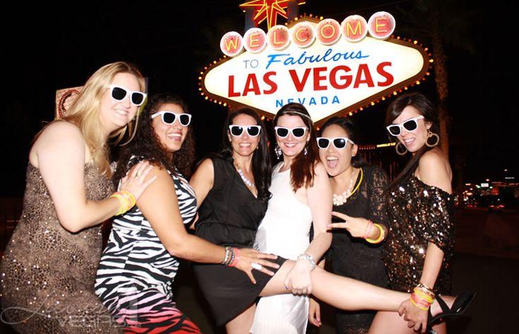 Las vegas sign bachelorette party lavish vegas pinterest