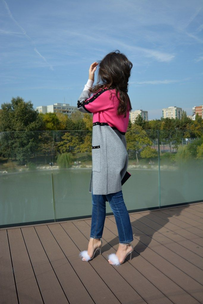 French Style GCarol Red Grey Cardigan and Ilpasso Silver Flurry Sandals
