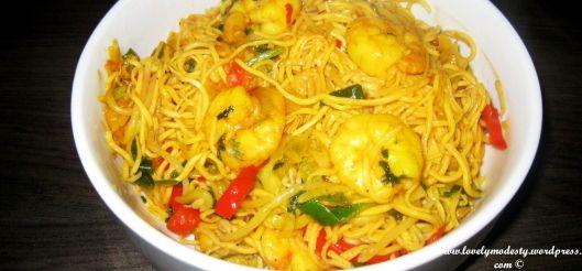 Recept: noedels met Aziatische groenten & scampi's! - http://www.mytaste.nl/r/recept-noedels-met-aziatische-groenten--scampis-966339.html