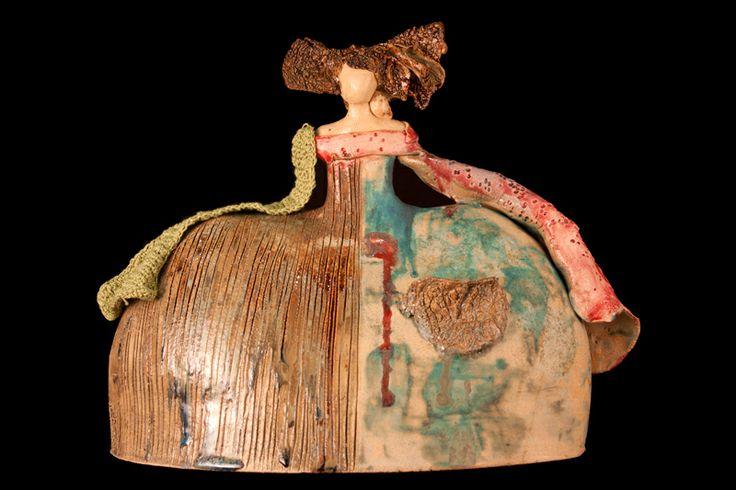 Mujer globo. Cerámica decorativa. Escultura contemporánea.