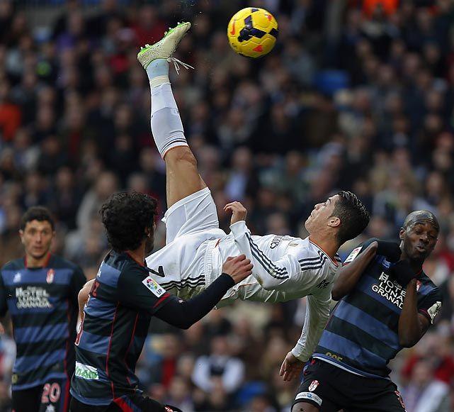 Cristiano Ronaldo Doing A Bicycle Kick | Foto Bugil Bokep 2017