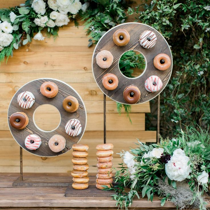 Calling anyone with a major sweet tooth out there.. We're sharing 20 drool-worthy dessert displays #onIBTtoday! (Link in profile Design by @agoodaffair)