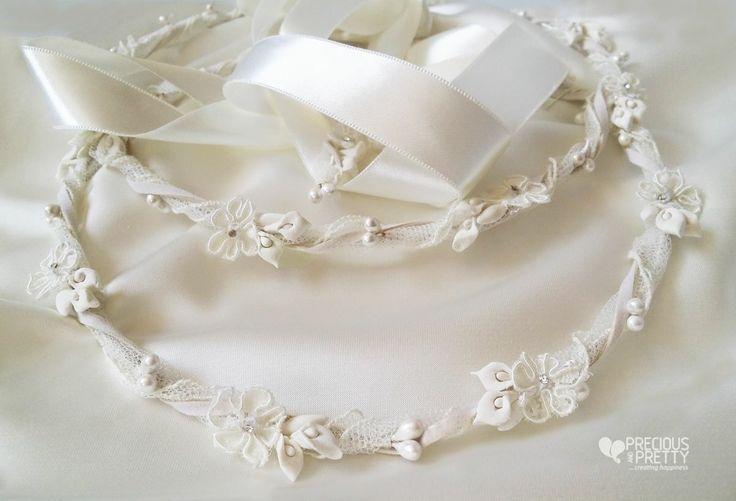 Στέφανα γάμου με κρινάκια και πέρλες! Lillies wedding crowns with pearls! #gamos #stefana #weddings #crowns #flowercrown #preciousandpretty