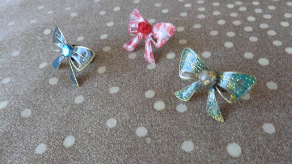 Cute bow rings. Adjustable bow rings in many by ArtisticBreaths