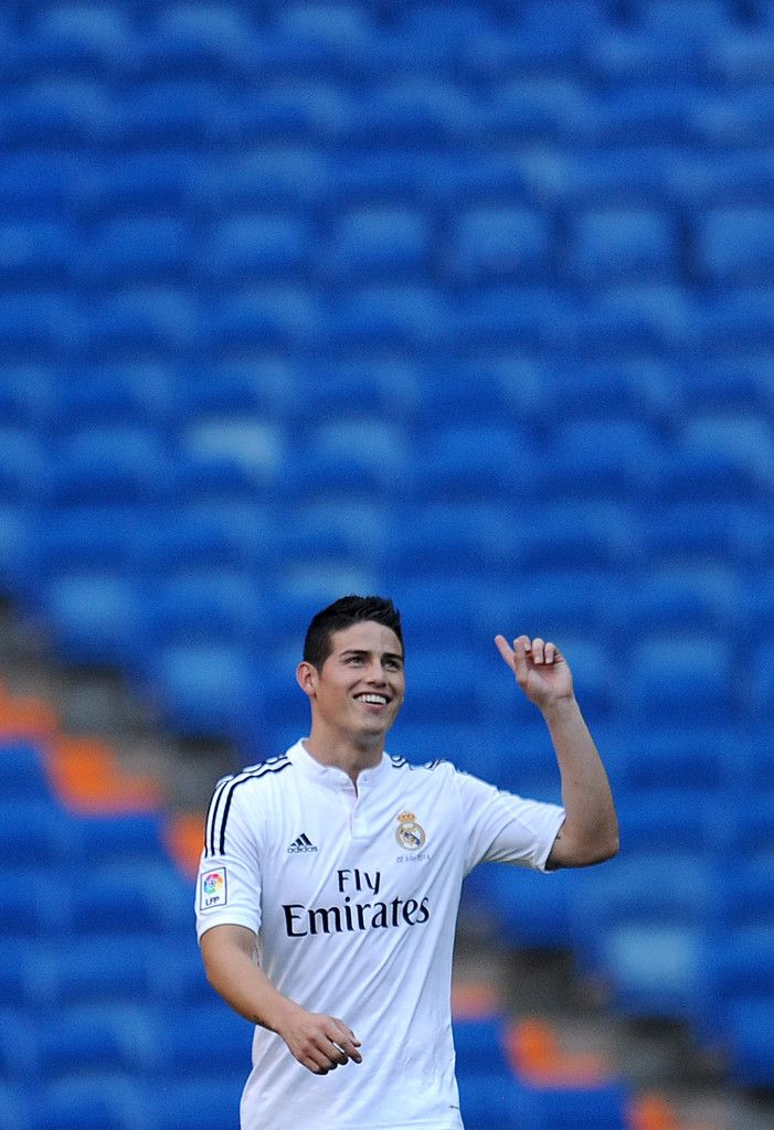 James Rodriguez Officially Unveiled at Real Madrid  #JAMES#RODRIGUES#10#RM