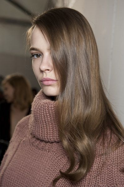Soft and loose waves by Eugene Souleiman for Blumarine AW15 #SpeakEIMI