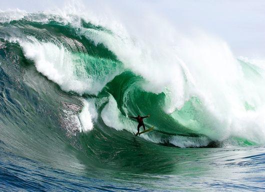 Surf Big Waves at Shipsterns Bluff  Tasmania, Australia