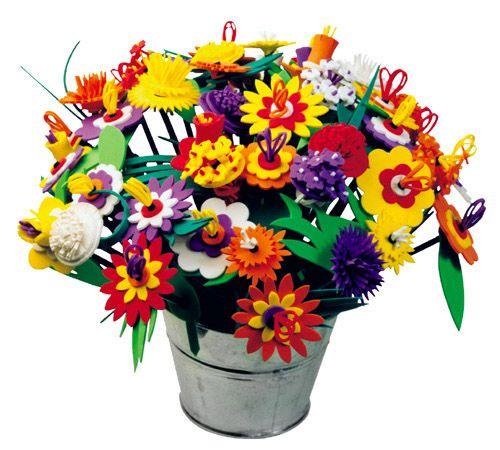 Fysiotoys.nl, Creëer je eigen fleurige boeket bloemen. Met voorbeelden of laat je eigen fantasie werken. Deze set bevat alles wat je nodig hebt om een prachtig boeket van 48 gekleurde foam bloemen te creëren, waaronder de volgende 8 ontwerpen: Calendula, Dahlia, Gazania, Vlambloem, Edelweiss, Narcis, Gerbera en Zinnia.