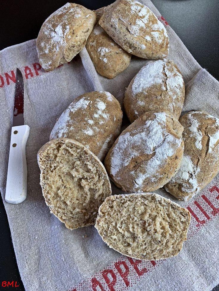 Spelled wholegrain wheat flax seed bread with yoghurt